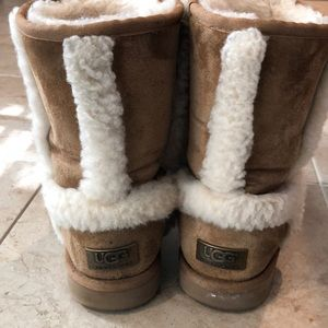 UGG Shoes - Women's Ugg's size 8
